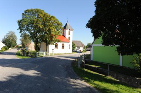 Typické zákoutí z naší vesnice